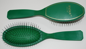Madan Pin Brush: Medium Size, Green (Very Soft)